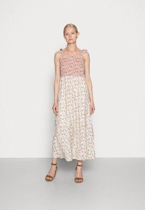 BLOMA DRESS - Day dress - burnt brick