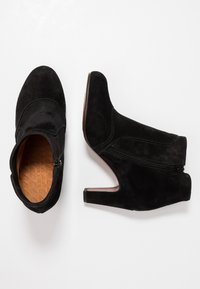 Chie Mihara - KYRA - Ankle boots - black - 3