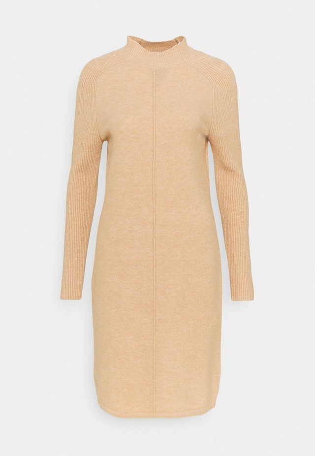 FUNNEL NECK SHIFT - Gebreide jurk - cool beige