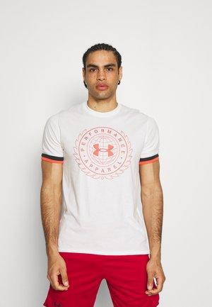 CREST  - Print T-shirt - onyx white