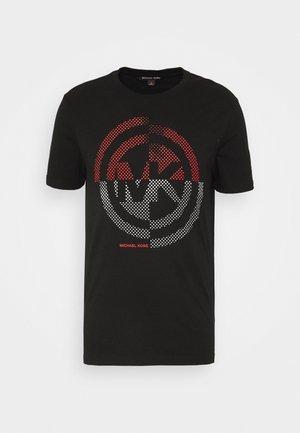 TARGET TEE - T-shirt z nadrukiem - black