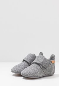 Bisgaard - BABY HOME SHOE - Slippers - grey - 3