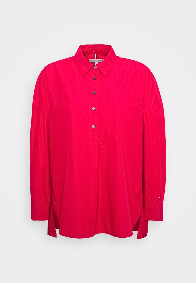 SANNI OVERSIZED - Bluzka - ruby jewel