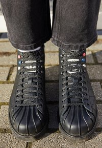 adidas Originals - SUPERSTAR LUXE  - Lace-up ankle boots - core black/shock green - 2