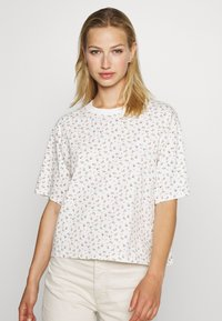 Levi's® - BOXY TEE - T-shirts med print - cyprine tofu - 0