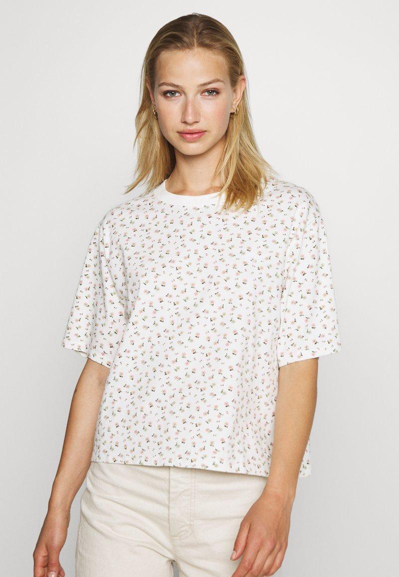 Levi's® - BOXY TEE - T-shirt imprimé - cyprine tofu