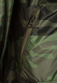 GAP - BOYS WINDBUSTER - Lehká bunda - green - 2