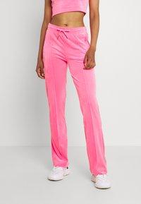 Juicy Couture - TINA TRACK  - Trainingsbroek - fluro pink - 0