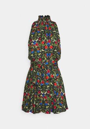 DITA SMOCKED NECK SHORT DRESS - Hverdagskjoler - chelsea palace