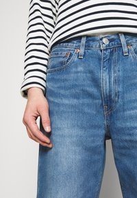 Levi's® - STAY LOOSE DENIM CROP - Jeans Relaxed Fit - blue denim - 3