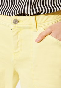 comma casual identity - Denim shorts - yellow - 4