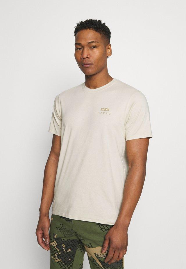 LOGO CHEST UNISEX - Jednoduché triko - sand/beige/off-white