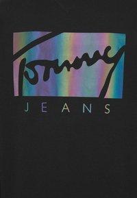 Tommy Jeans - ESSENTIAL HOODIE UNISEX - Sweatshirt - black - 4