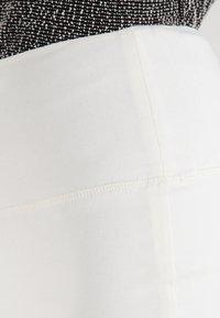 Kaffe - PENNY  - Pencil skirt - chalk - 3