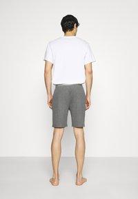 Pier One - LOUNGE HENLEY SHORTS - Pyjama bottoms - mottled dark grey - 2