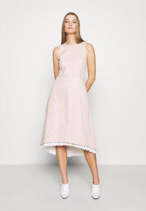 NAIADI - Sukienka letnia - puder