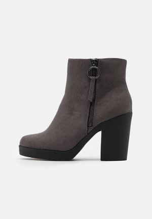 WIDE FIT ABBY SIDE ZIP BOOT - High heeled ankle boots - grey