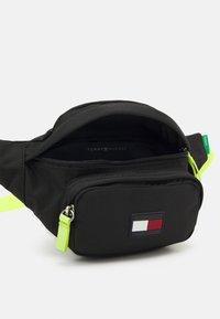 Tommy Hilfiger - CORE BUMBAG UNISEX - Across body bag - black - 2