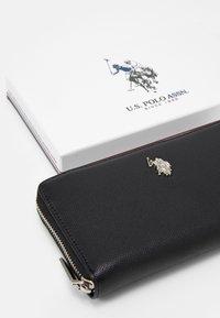 U.S. Polo Assn. - JONES ZIP WALLET - Wallet - black - 5