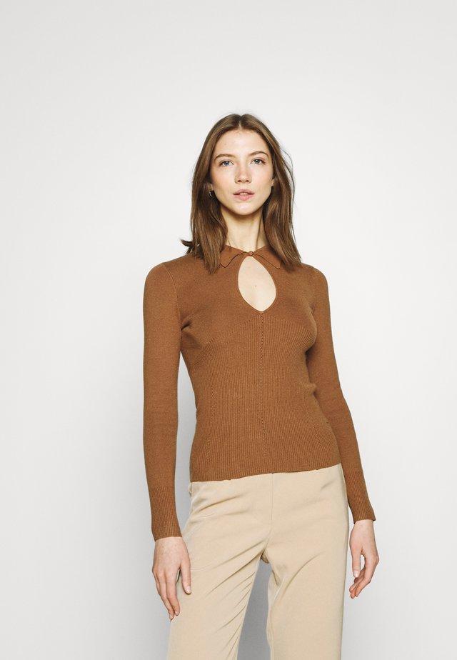 SAGA - Jumper - brown