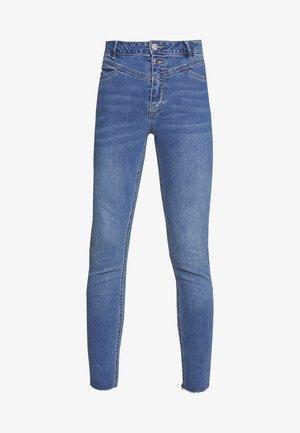 ONLCHRASSY  - Jeans Skinny Fit - medium blue denim