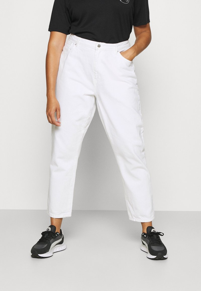 ONLY Carmakoma - CARELLY LIFE MOM - Relaxed fit jeans - white