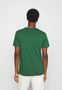Lacoste - Print T-shirt - dark green/dark blue/white - 2