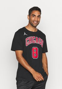 Nike Performance - NBA ZACH LAVINE CHICAGO BULLS STATEMENT NAME NUMBER TEE - Squadra - black - 0
