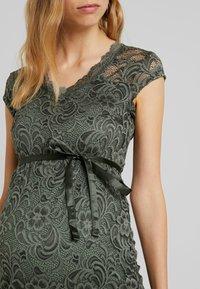 MAMALICIOUS - MLNEWMIVANA DRESS - Vestido de cóctel - leaf clover - 5