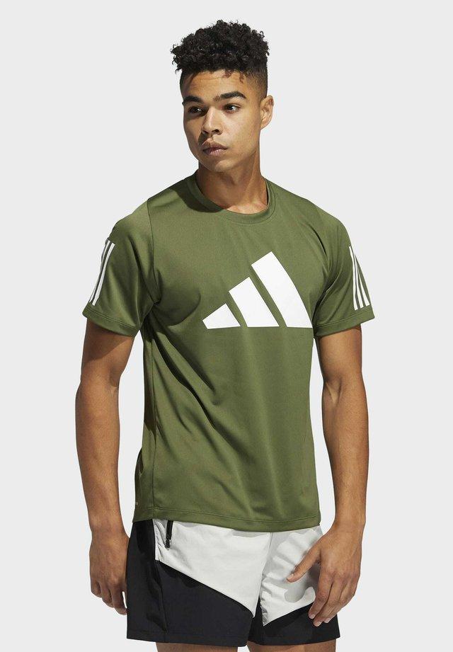 Fleece 3 BAR TEE DESIGNED4TRAINING PRIMEGREEN TRAINING WORKOUT T-SHIRT - Print T-shirt - green