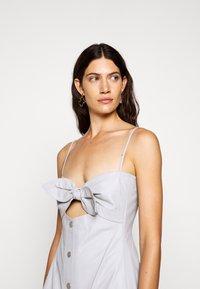 Proenza Schouler White Label - LIGHTWEIGHT KNOTTED TOP DRESS - Pouzdrové šaty - grey - 3