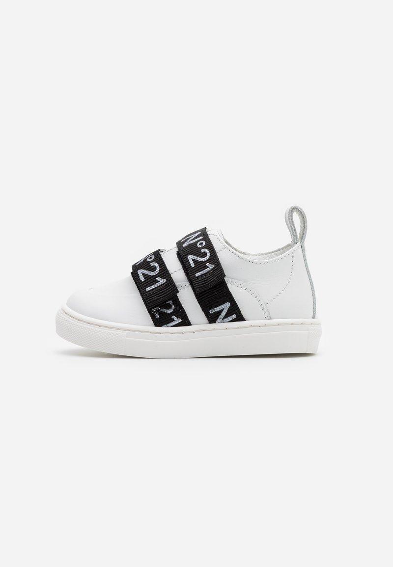 N°21 - Tenisky - white/black