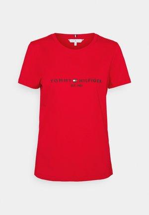 REGULAR TEE - T-shirt z nadrukiem - red