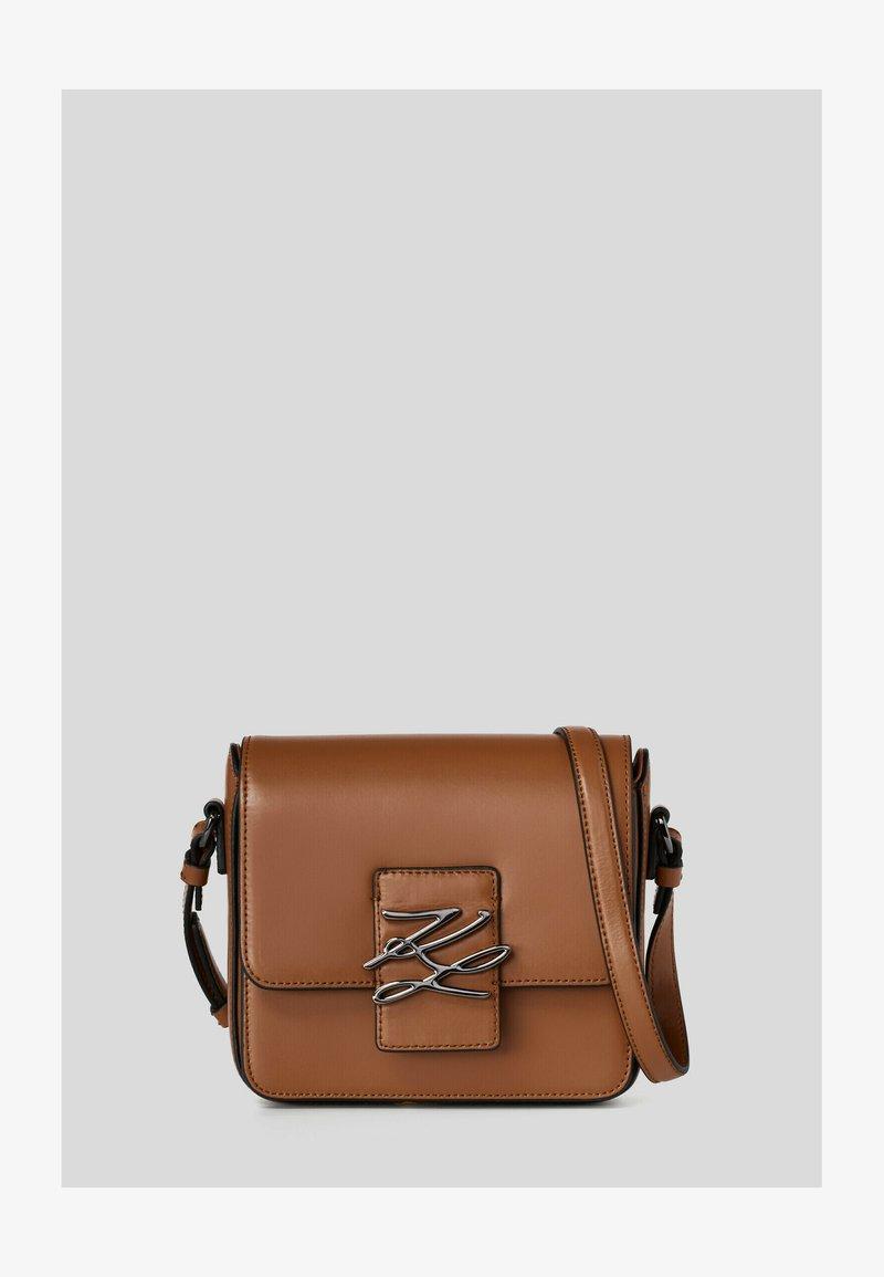 KARL LAGERFELD - Across body bag - a747 caramel