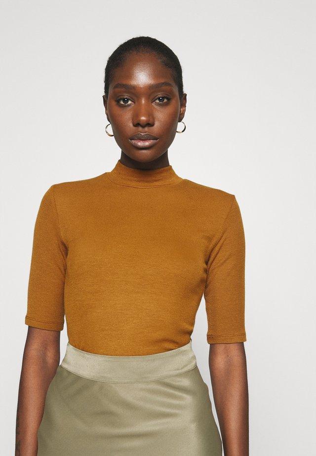 KROWN - T-shirt basic - brown oak