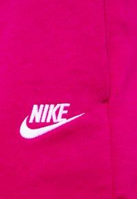 Nike Sportswear - Shorts - fireberry/white - 5