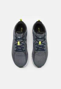 Columbia - VITESSE OUTDRY - Hiking shoes - graphite/cobalt blue - 3
