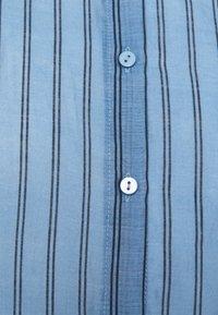 Moss Copenhagen - ABELLE - Button-down blouse - lake blue - 2