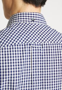 Ben Sherman - SIGNATURE GINGHAM - Overhemd - dark blue - 4