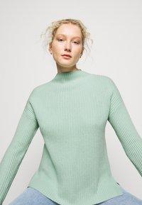 FTC Cashmere - HIGHNECK - Stickad tröja - soft pistachio - 3