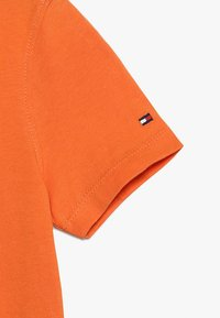Tommy Hilfiger - LOGO TEE  - Print T-shirt - orange - 3