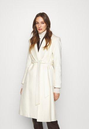 LINED COAT - Klasyczny płaszcz - cream