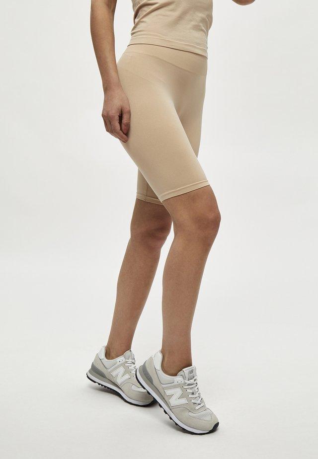 MIRA  - Shorts - nude