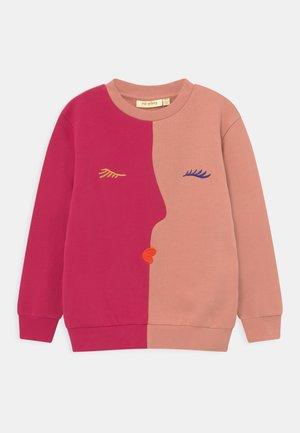 BAPTISTE VISAGE  - Sweatshirt - cherries jubilee