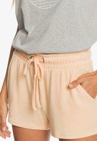 Roxy - FORBIDDEN  - Shorts - apricot ice - 4