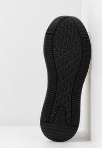 Gabor - Sneakers laag - caramel/pfirsich - 6
