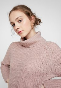 ONLY - ONLVEGA ROLLNECK  - Trui - adobe rose/melange - 5