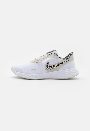 REVOLUTION 5 PRM - Neutral running shoes - white/black/light bone/light brown