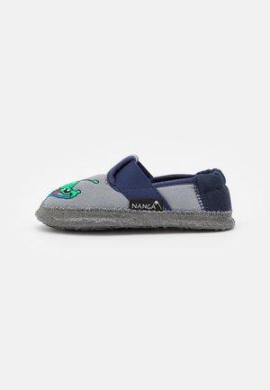 UFO - First shoes - mittelgrau