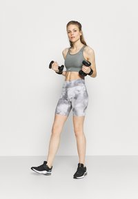 Nike Performance - ONE CORE - Leggings - smoke grey/white - 1